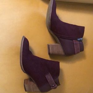 Dolce Vita size 8 ankle bootie